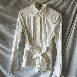 A ladies Ann Taylor medium button down off-white s